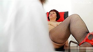 Hot daughter sucking huge cock