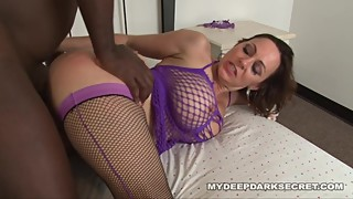 MDDS Hotwife Breeding as her Milf Pussy is flooded with Black Cum