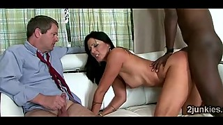 MILF can not stop moaning like a whore in interracial cuckold scene